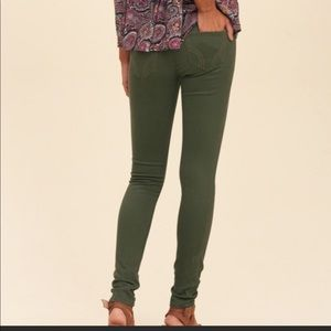 Hollister• high rise skinny jeans